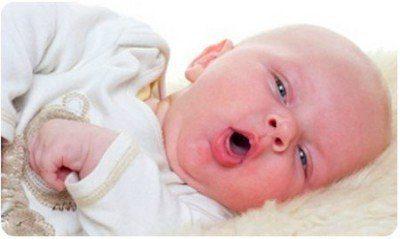 Грибки в горле у ребенка: как распознать