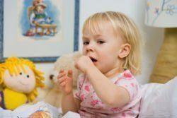 Лающий кашель у ребенка: причины