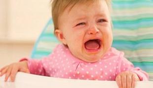 У ребенка рвота и температура: что делать?
